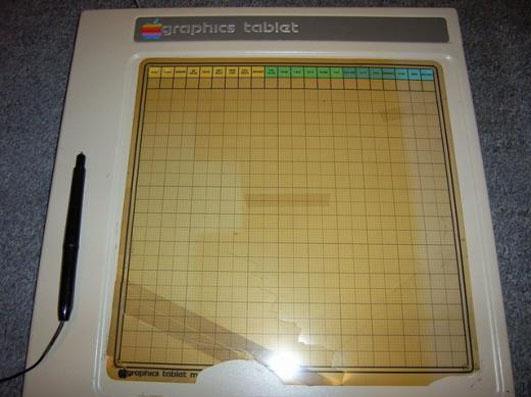 20091124_apple-graphics-tablet-1979-stylus2