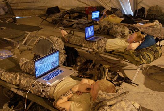 500x_laptopsoldiers