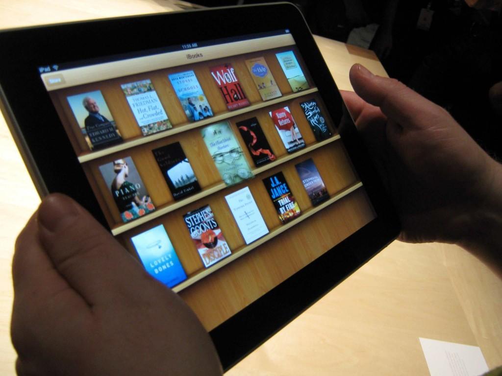 ipad ibooks bookshelf1