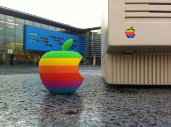 3d printed apple logo