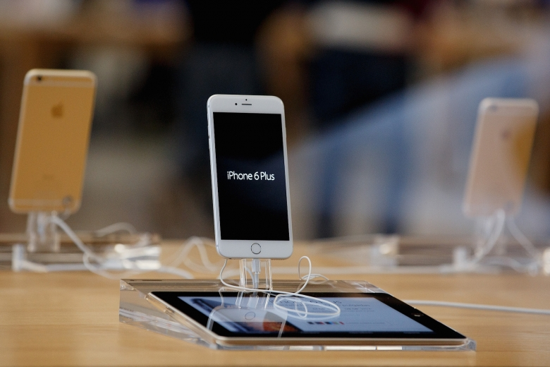 iphone 6 plus sales projections