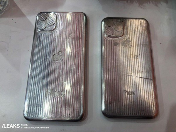 iphone xi and xi max molds 800x600