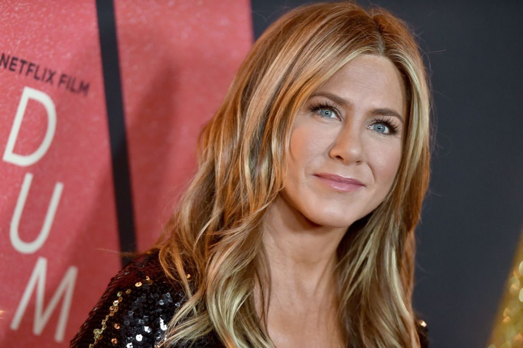 Jennifer Anistons relationship with Brad Pitt is flirty are
